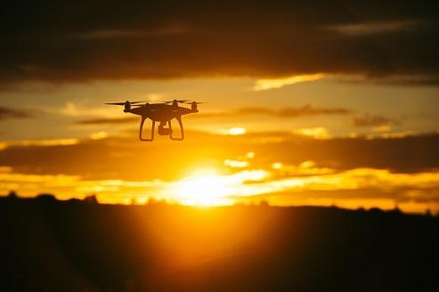 Autonomiczne drony do transportu medycznego w Warszawie