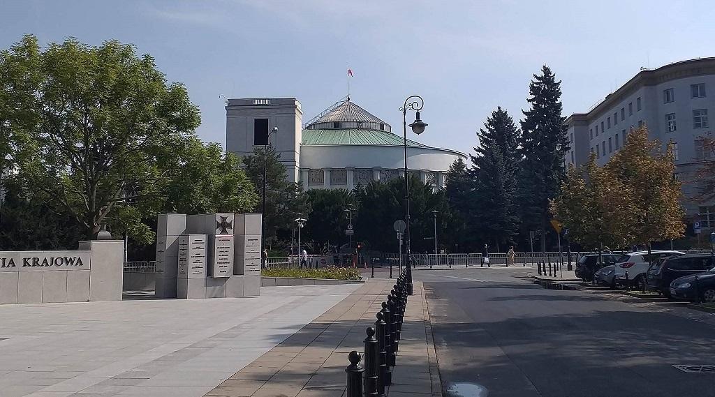 Ustawa dotycząca szczególnych rozwiązań dotyczących koronawirusa uchwalona przez Sejm